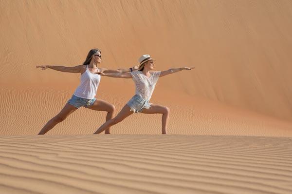 yoga dans le désert du maroc